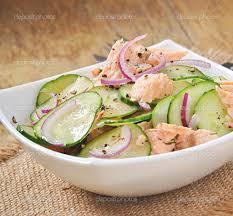 insalata di salmone e cetriolo